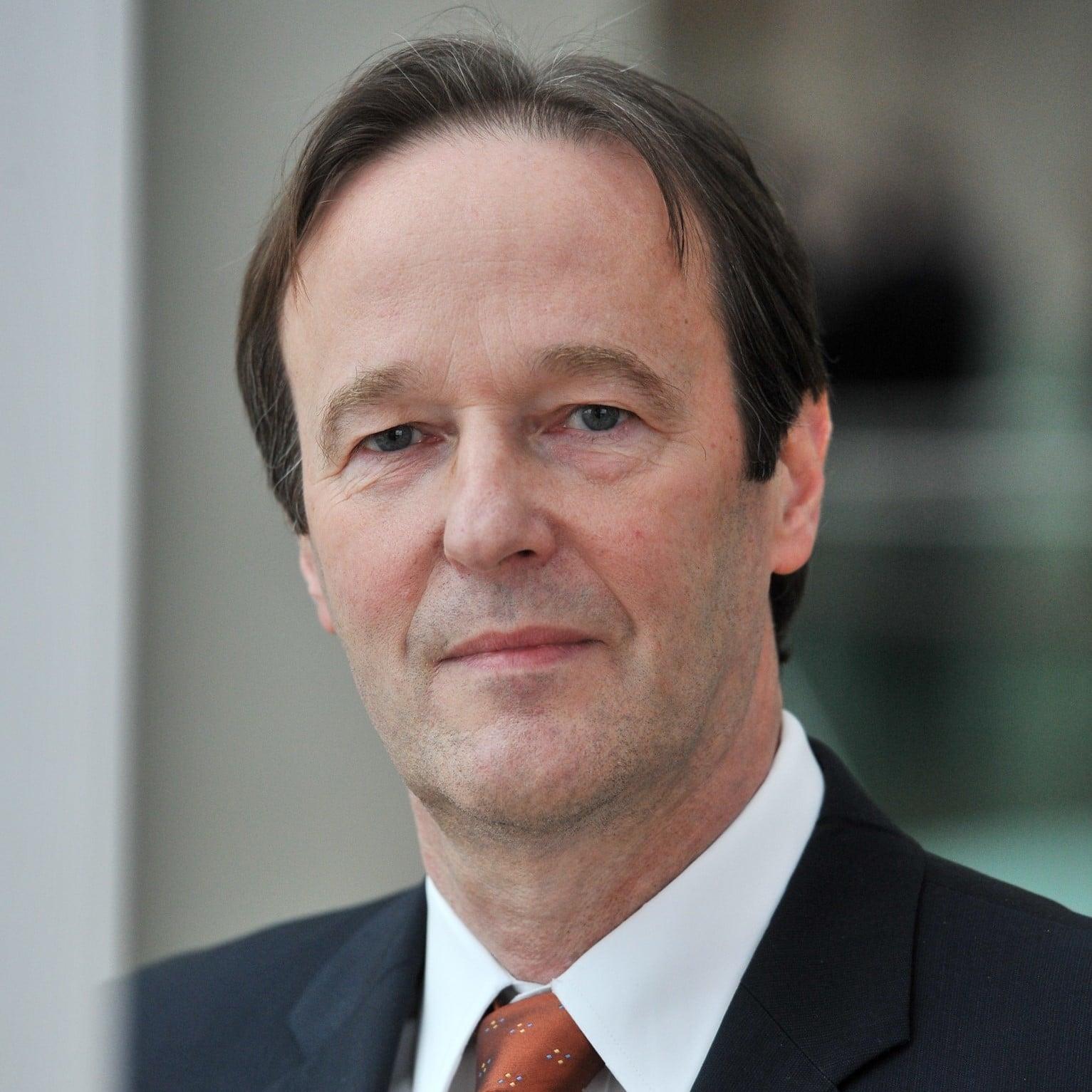 Dr. Thomas Papke